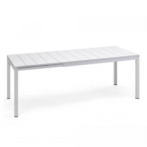 Fehér kerti asztal